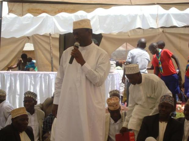 Dr.Kiiza Besigye showing solidarity with the Muslim community