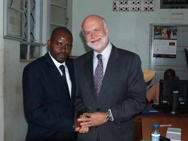 Hamza Kyeyune and the USA ambassador in radio Bilal newsroom